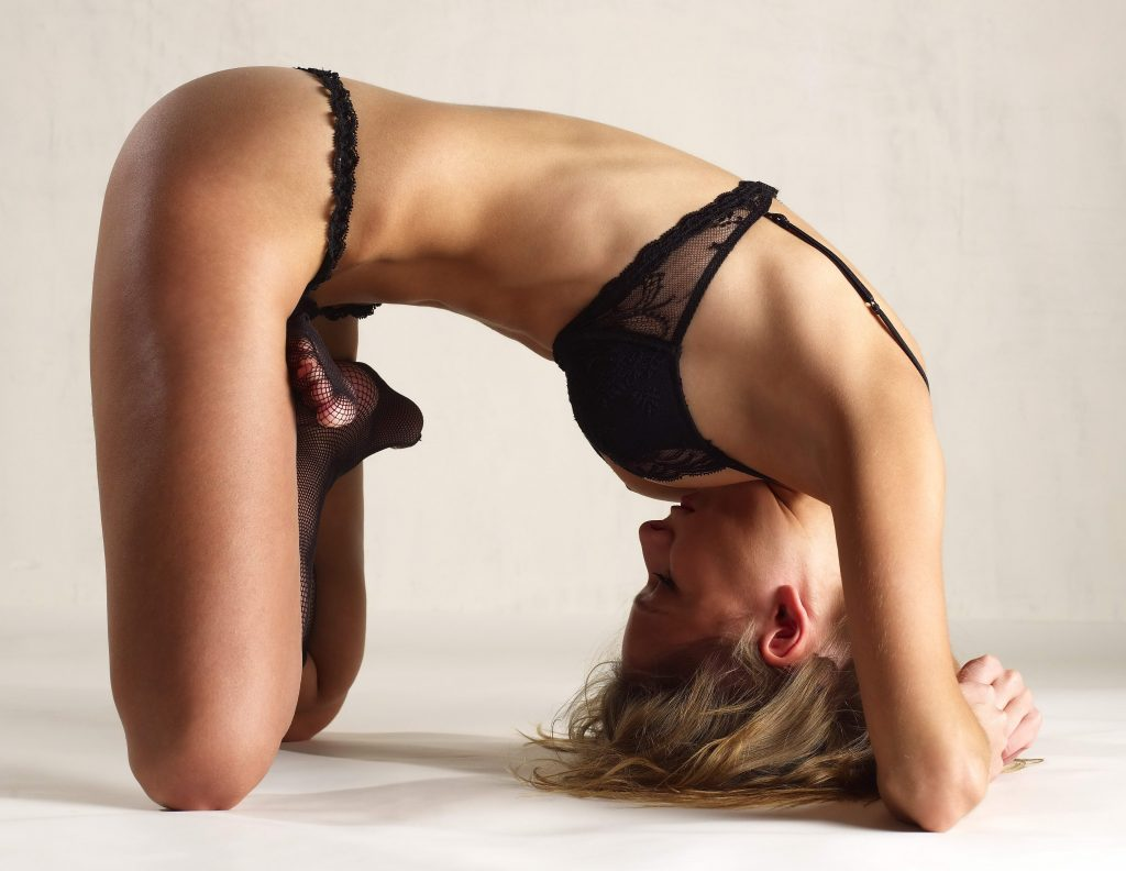 Flexible Sexy Blonde - xLondonEscorts